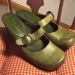 BareTraps Shoes - 🌻Olive Green Mules🌻